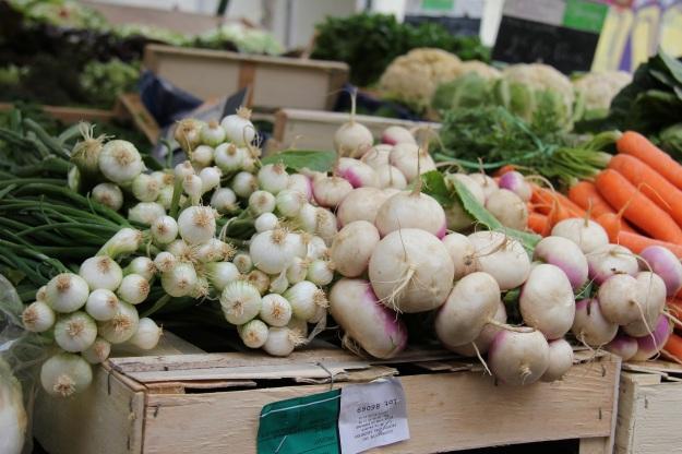ירקות בשוק. התעסקות מוגזמת באוכל בריא יכולה להפוך לאורת'ורקסיה (צילום: עמרי פולק)