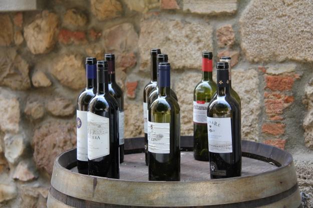 שתיית יין, במתינות, מסייעת לשריפת שומנים וסוכרים